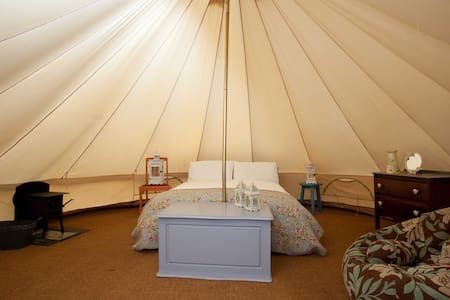 Glamping in Killarney - Tent