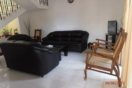 Holiday House Sri Lanka - Colombo - Rumah