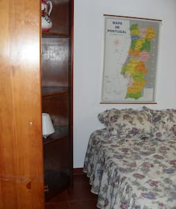 Room w lot of sun -Parede SurfBeach - Apartment