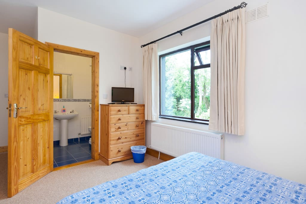 Triple  - 1 double and 1 Single Bed