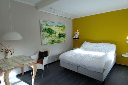 Erfgoedlogies De Lindehoff - Zuidhorn - Bed & Breakfast
