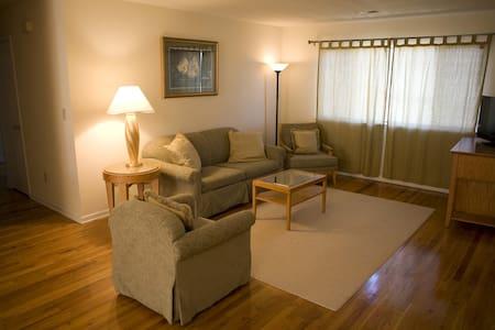 Spacious 3 BR 2 bath apartment-20 - Bridgewater - Lejlighed