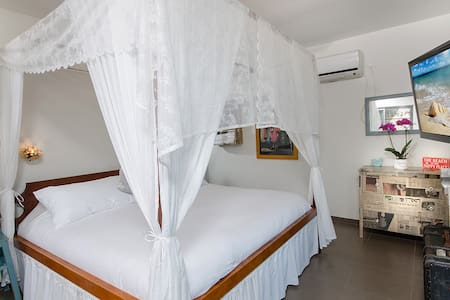 B&B by the Sea with Luxury King Bed - Bed & Breakfast