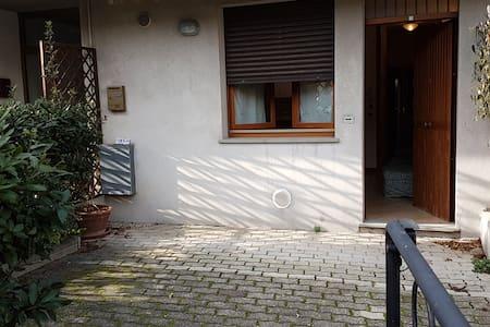Appartamento con corte esterna e parcheggio - Porto San Giorgio