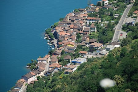 Ferienwohnung am Lago di Lugano in Brusino-Arsizio - Apartmen