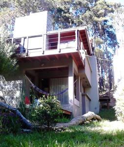 Casa diseño 4 desniveles al bosque - Mar Azul