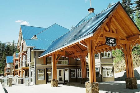 Kaslo Bay Marina Ridge Condo (#2-9) - Kaslo - Apartment