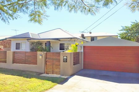 Little gem perfect for you - Scarborough - House