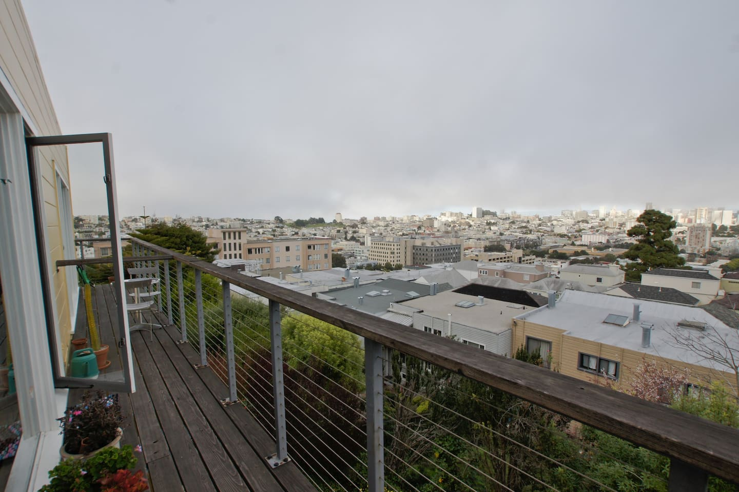 Looking North towards Alcatraz and Pacific Heights, Angel Island and the Fillmore district.
