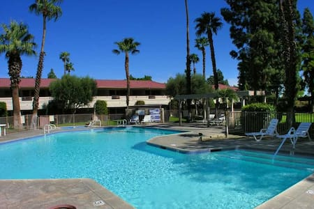 Private Palm Springs 1st Floor Condo w/ Pool/Spa - Palm Springs