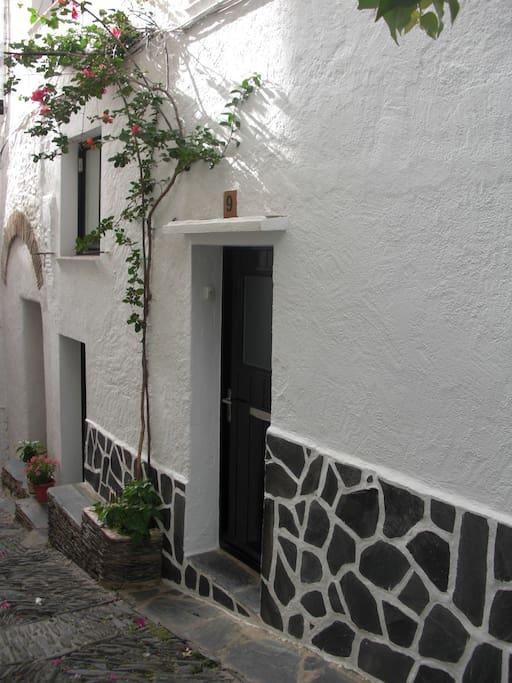 La calle mas bonita de cadaqués