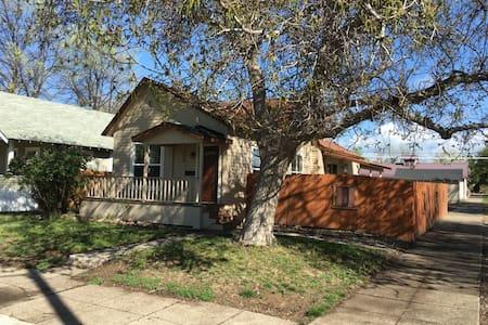 Weiser House - Casa