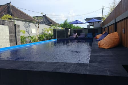 Best Price Room in great location - Seminyak, Kuta - Bed & Breakfast