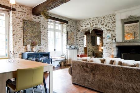 Chambre L'Aubetin - Bed & Breakfast
