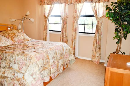 Charming room with private bathroom - Trophy Club