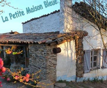 La Petite Maison Bleue - Le Fraysse - House
