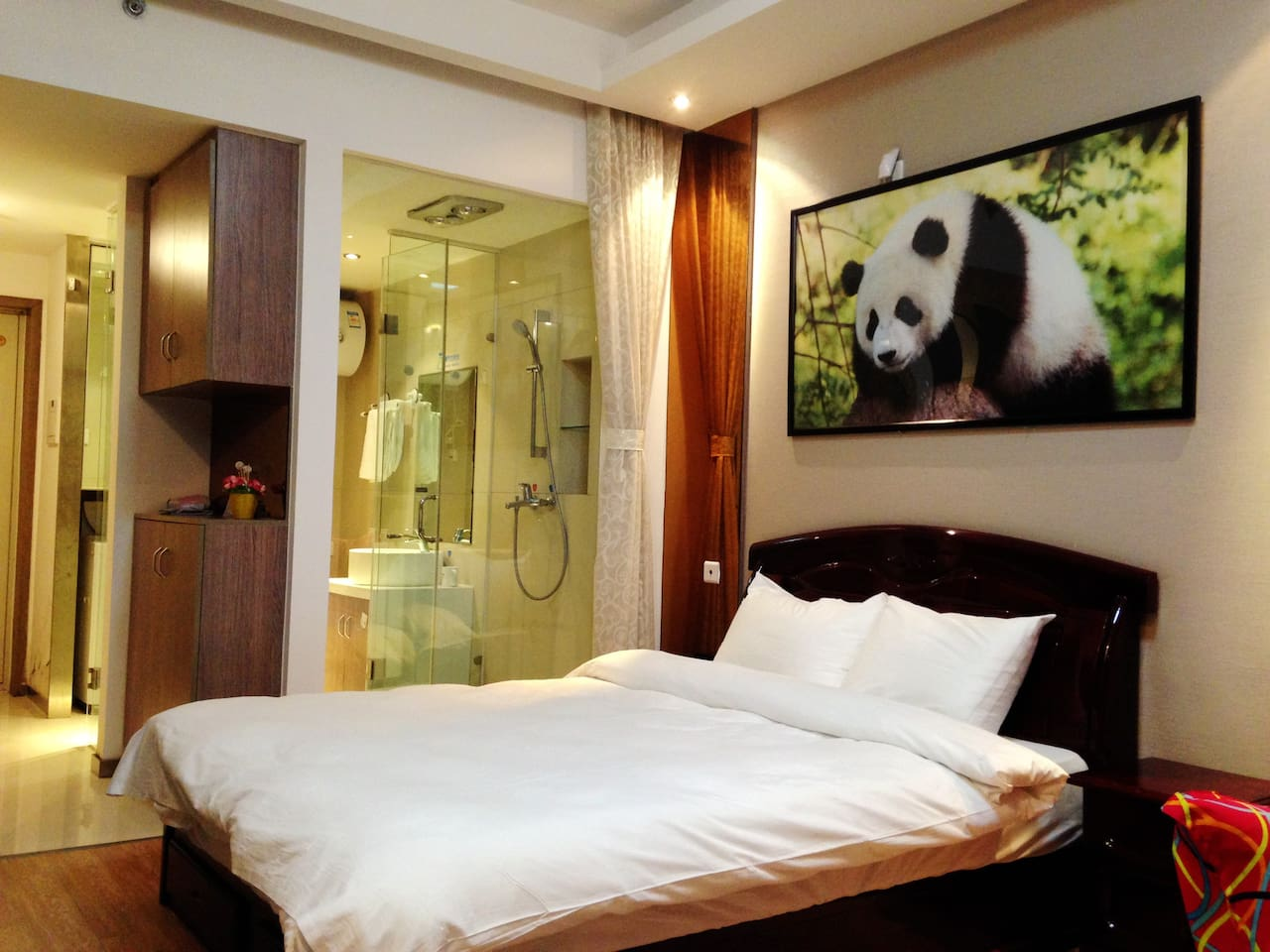 Spacious Room Area-45㎡ with Panda decorations!