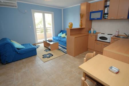 Modern apartment for 3 in Budva !