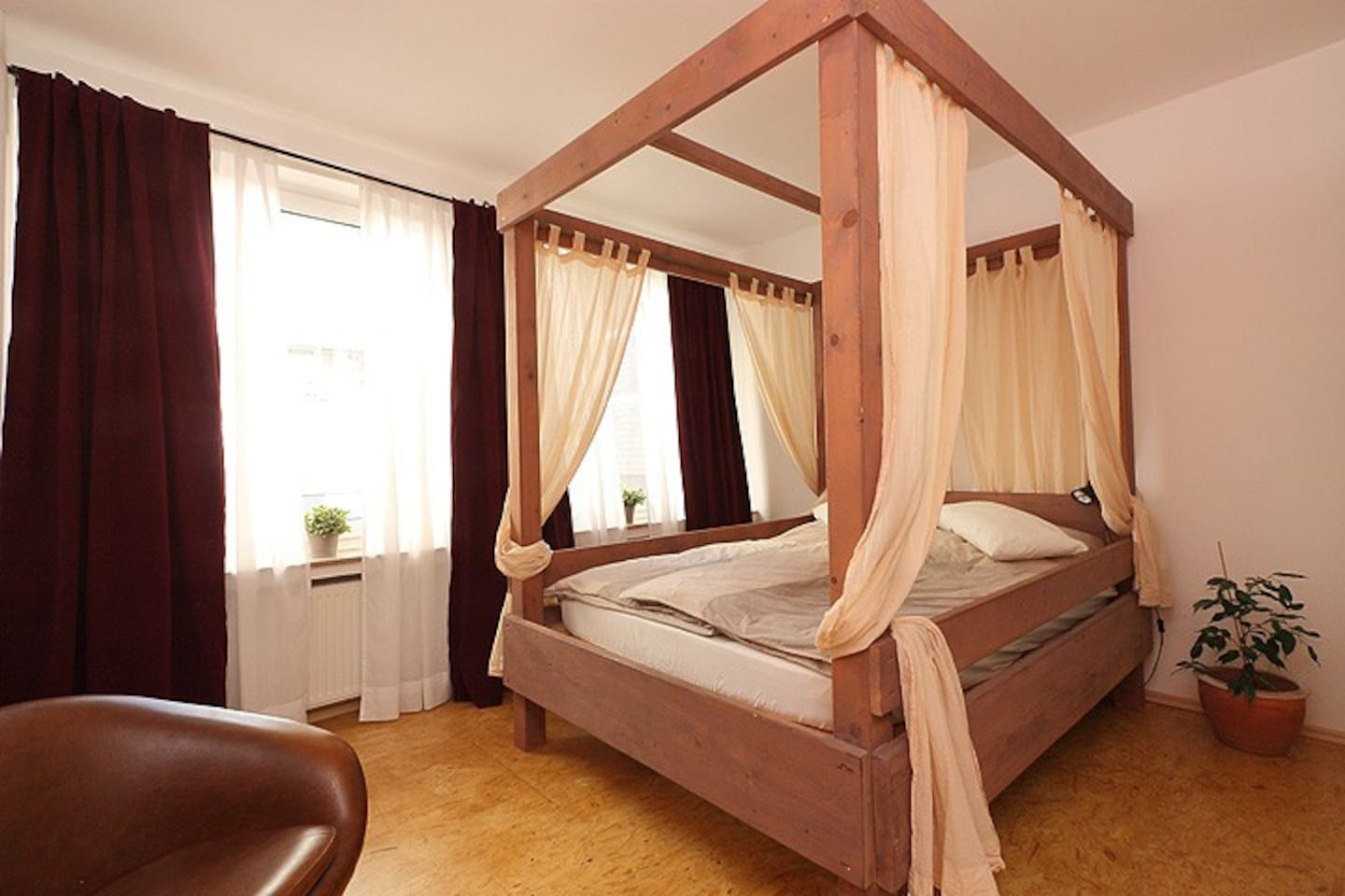 bedroom with charming four-poster bed