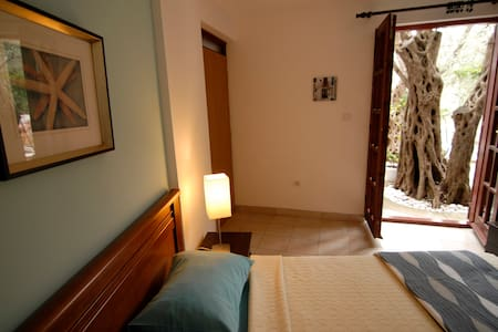 2:: STUDIO FOR TWO PEOPLE - Petrovac