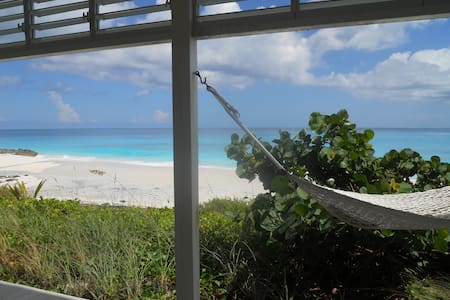 Beachfront villa, Great Exuma, Bahamas - Farmer's Hill - Villa