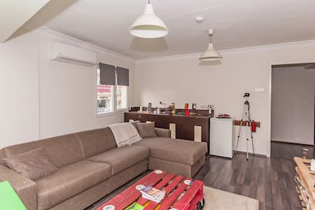 Best location and free breakfast! - Izmir - Apartment