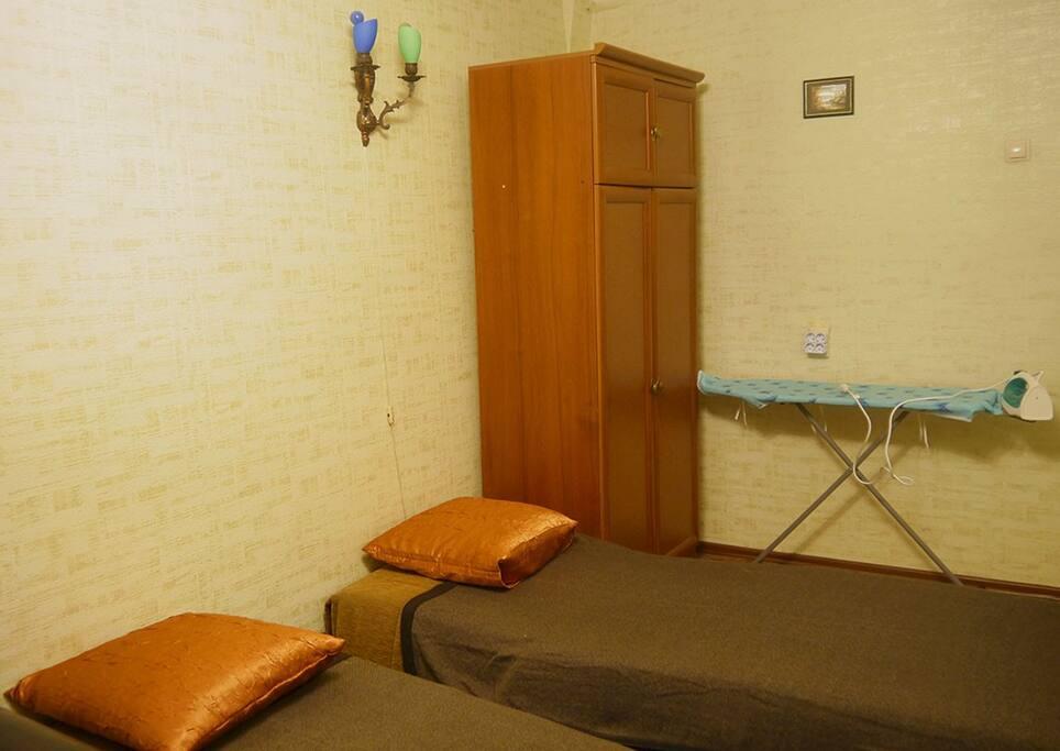 Вторая спальня. Кресла-кровати разложены