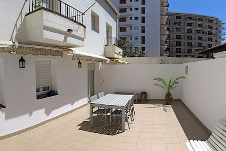 100m FROM THE SEA, TERRACE.Palamós.