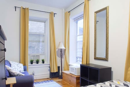 Spacious Manhattan Room near Central Park - 公寓