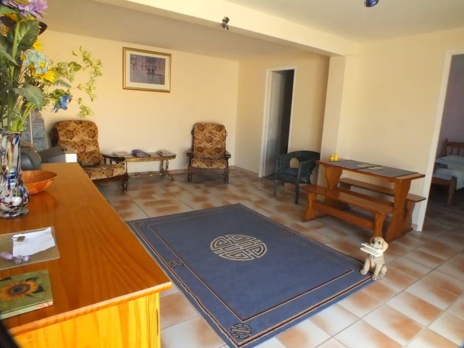 Chez Lavande sitting /dining area