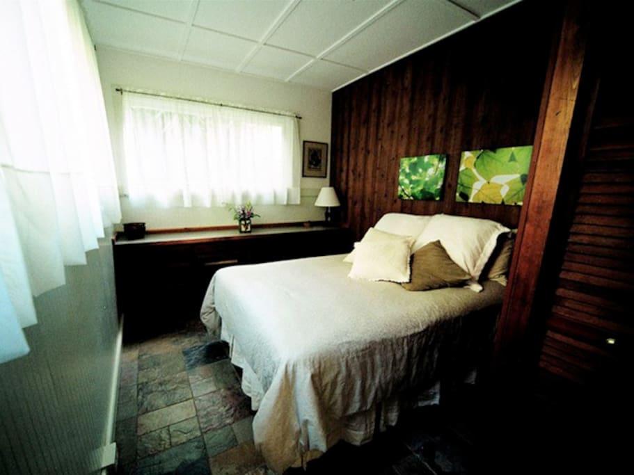Rental Apartment  - Mauka Bedroom
