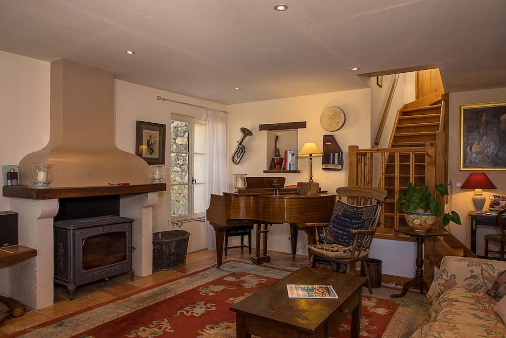 Sitting room, with piano
