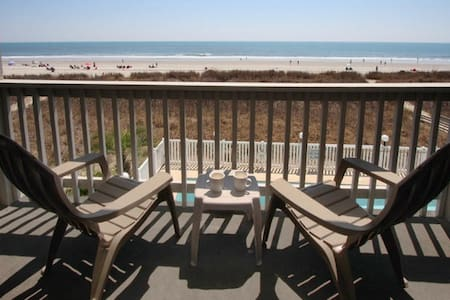 Direct Oceanfront Close to Main St