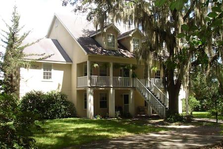 Tall Pines - Haus