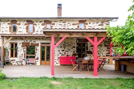 Maison de charme en pierre, rénovée - Salles - Rumah