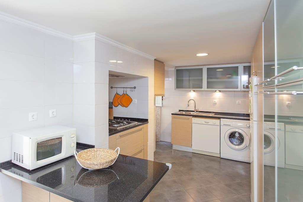 Airy/Spacious fully equiped Kitchen