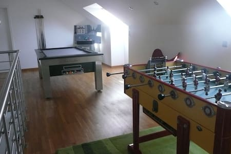 Maison 300 m2 - logement entier a 5 min de la mer - Peuplingues - House