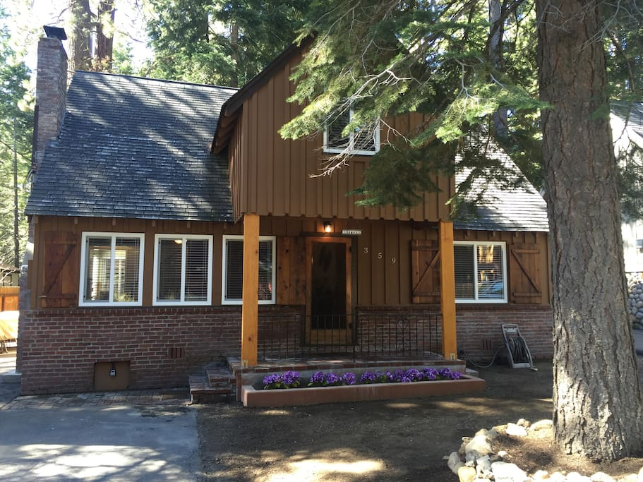 Sleep 6 - 8 in Tahoe Park! Great Value & Location!