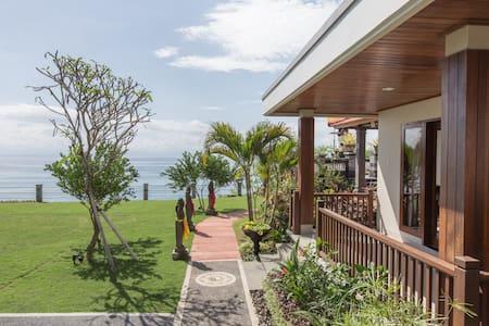 Seaview Suites in Tropical Cliff Village - Kuta Selatan