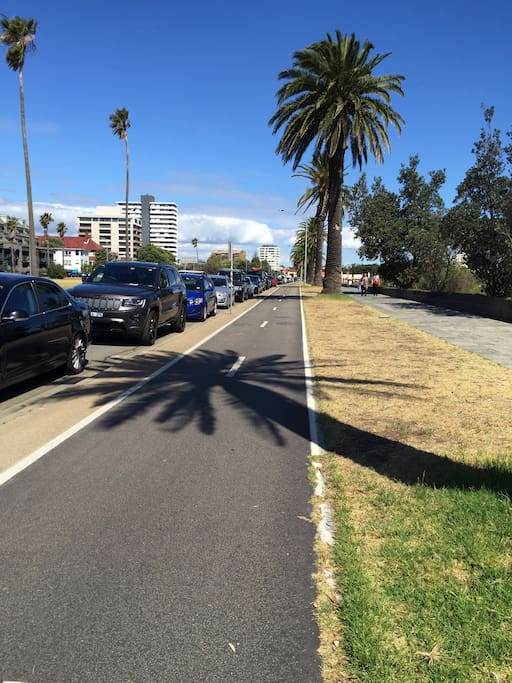 Beaconsfield parade bike and walking track - across the road from apartment