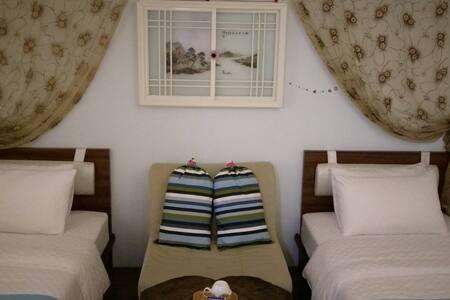 """""""阿瑪Ama""""雙單人床套房 - Bed & Breakfast"""