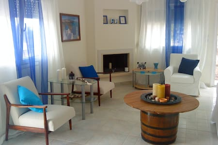 House by beach for 2-6 persons N.Potidea,Halkidiki - Villa