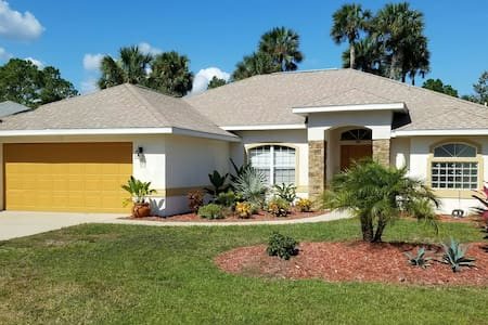 True Florida Pool Home Close to Many Adventures - Палм-Кост