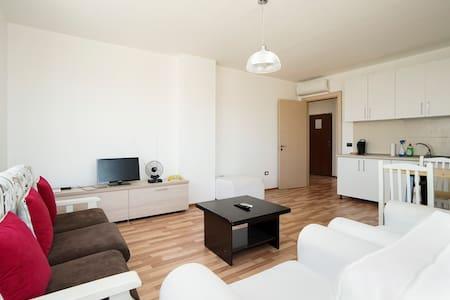 Center Square Skenderbej - Apartment