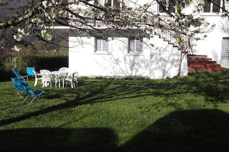 appart en rdc d'une maison - Luz-Saint-Sauveur - Lejlighed