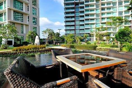 Luxury Seaside Pool Villa Duplex - Wohnung