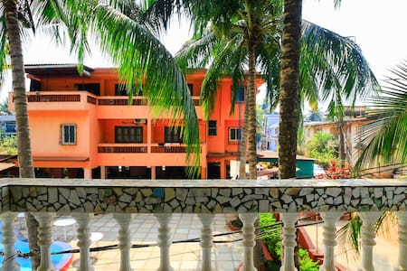 Budget Boutique Room With A Pool - Candolim - House