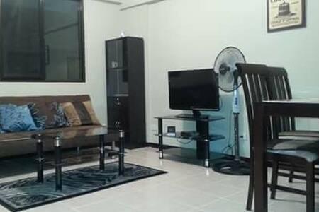 Elegant 2 bedroom Mayfield - Condominium