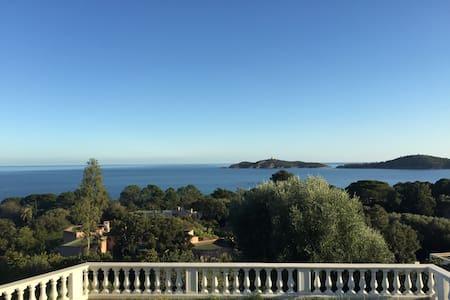 Incredible View and Close to Beach - Villa