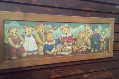 Bears Hideaway Putten for DECEMBER - Putten